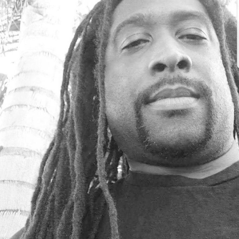 Tyrone Gaines - Black & White